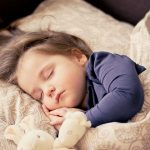 日本人はいつも眠い?パフォーマンスに影響する睡眠の質